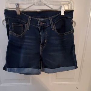 Perfect condition Levis shorts